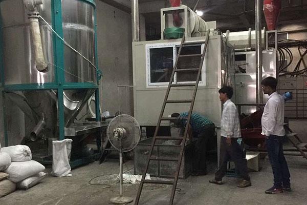 Mixed plastics electrostatic separation machine